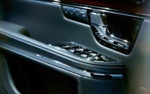 Jaguar XJ 007